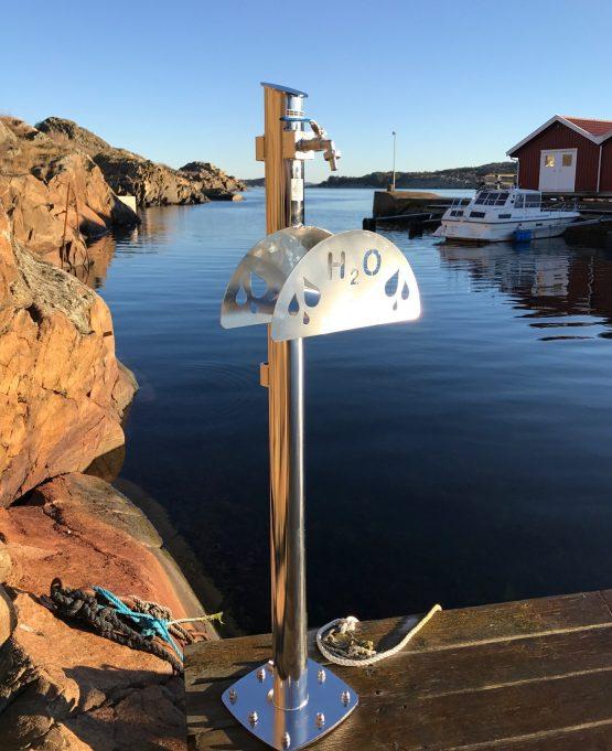 Vattenpost med slanghållare